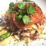 Salade d'endives, d'asperges et saumon marinés