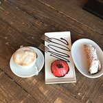 Desserts 🍨Cannoli