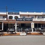 Nuevo restaurante en Punta Prima con terraza y salon interior.