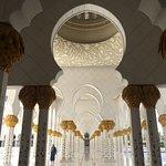 صورة فوتوغرافية لـ جامع الشيخ زايد الكبير