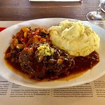 Osso Bucco wit mashed potatoes and ratatouille