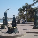 Another statue along the Malecon