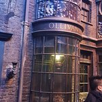 Olivanders, Diagon Alley