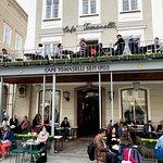 Cafe Tomaselli front, happy people enjoying a wonderful day