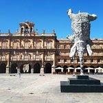 La plaza Major et le Grand Elephant de Miquel Barcelo