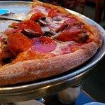 Atlantis Pizzeria and Family Restaurant Foto