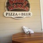 Foto de Saucy Mama's Pizzeria