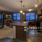 Glacier Mountaineer Lodge - Bellstar Hotels & Resorts