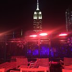 Foto de 230 FIFTH ROOFTOP BAR NYC