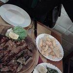 Bistecca alla Fiorentina con contorno di patare fritte e verdure lesse