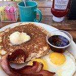 Zdjęcie Cracked Egg Cafe