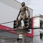 ภาพถ่ายของ ประติมากรรมเมืองกระบี่
