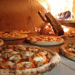 Stix 'n Brix Wood Fired Pizza의 사진