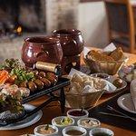 Fondue Grill à Montese - Rodízio com adição de mignon, chorizo e linguiça defumada tipo aperitiv