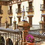 ‪Hotel Alfonso XIII, A Luxury Collection Hotel, Seville‬