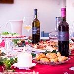 Degustazione di vini e focaccia barese