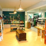 TRADITIONAL PRODUCTS & GIFTS