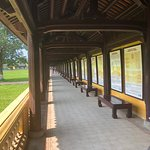 The long hall detailing the extensive history of Vietnam's rulers and kings