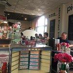 Clayton's Coffee Shop resmi