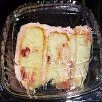 Foto de Dessert Gallery Bakery & Cafe