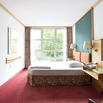 Living Hotel am Olympiapark by Derag