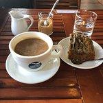 NamuNamu Coffee Cafe: Americano coffee with Banana Bread