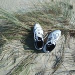 Zapatillas sobre la arena