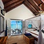 Honeymoon Villa - Bedroom & Balcony