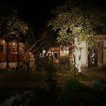 Foto Pakis Ayu Warung Bar & Restaurant