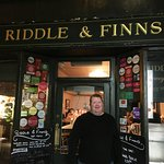 Entrance to Riddle & Finns