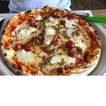 Pizza Gorgonzola mit Knoblauch