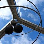 Helium Monument照片