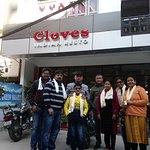 Cloves Indian Resto
