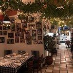 Foto de Koutouki Greek Cuisine