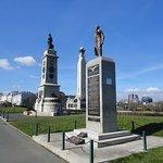 Memorials to Servicemen.