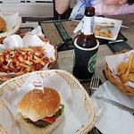 Burger House Kata Beach의 사진
