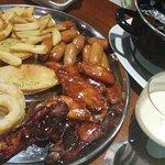 Plato de mejillones y fritos. Buenísimos