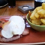 Nice fresh tasting gammon with pineapple and duck egg for me whilst my good lady had a lovely fi