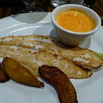 Fish with garlic sauce and maduros