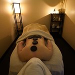 J'L Natural Hot Stone Body Session