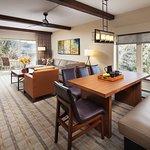 Sheraton Lakeside Terrace Villas at Mountain Vista