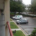 Estacionamiento del lado del Gimnasio