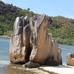 Curieuse island rock formationo