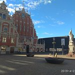 Photo de Riga Town Hall Square