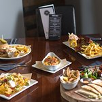 Eye of the Tiger, Sharing Platter, Ribs, Mac & Cheese and Nachos - we loved this spread!