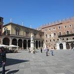 Verona_Piazza dei Signori_7