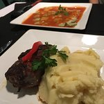 Carne recalentada con ravioles crudos...