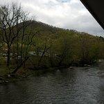 River's Edge Motel Photo