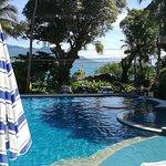 Vista da piscina externa aquecida
