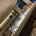 صورة فوتوغرافية لـ Bateel Cafe